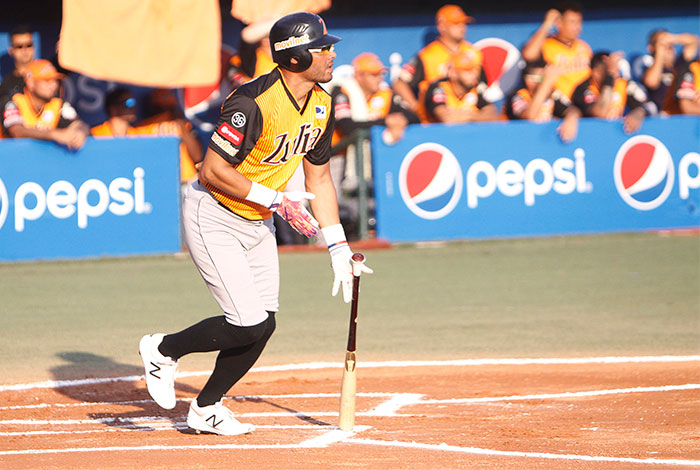 Photo of Suspenden por 20 juegos a Alex Romero