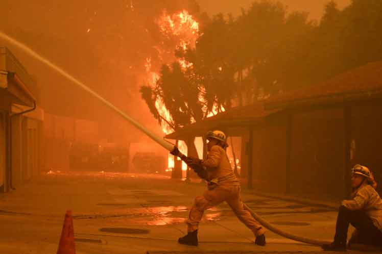 Photo of Ascienden a 59 los fallecidos por incendios en California