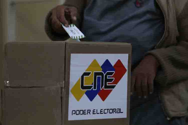 Photo of Crónica de un fake news: ¿Elecciones en 9 meses? por Gabriel Iachini