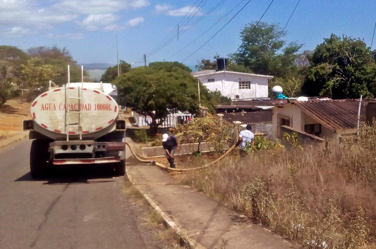 Photo of Activado plan de contingencia para la distribución agua en Zamora