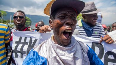 Photo of Haitianos exigen condiciones salariales en protesta