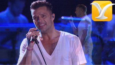 Photo of Viña del Mar| Ricky Martin le roba un beso al animador de la gala (+video)