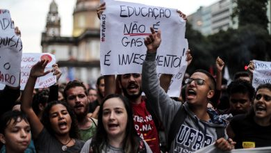 Photo of Protestas contra Bolsonaro terminan en disturbios