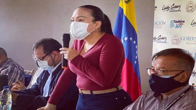 Photo of (VIDEO) Laidy Goméz pide a Colombia bloquear 42 trochas